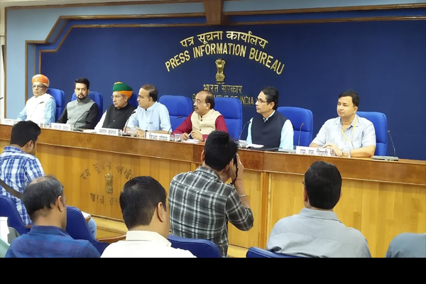 The Union Minister for Chemicals & Fertilizers and Parliamentary Affairs, Shri Ananth Kumar addressing the media on successful completion of Monsoon Session 2018 of Parliament